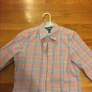 CHAPS no iron spring/summer button down shirt